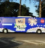 Carioquinha 2011 - Ônibus que levou alunos para passeios